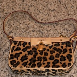 Velvet leopard Shoulder bag.